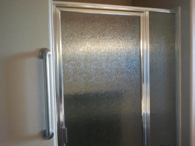 framed shower enclosures (21)